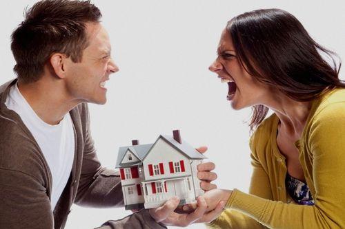 В каких случаях при разводе квартира достается одному из супругов?